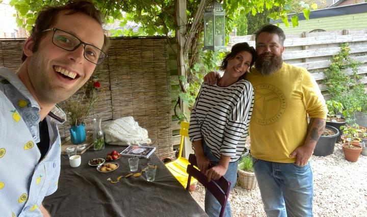 Zegert met Arno en Mireille van The Holy Kauw Company