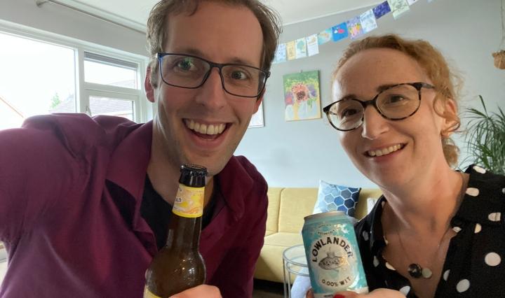 Zegert en Annemieke met Lowlander bieren
